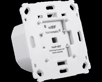 Lampen kunnen langzaam aan en uitgedimd worden met fade-in en fade-out. De dimmer maakt geen zoemende geluiden en werkt volgens faseafsnijding technologie (RC dimmer).