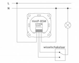 Aansluitschema als wisselschakeling, in combinatie met een standaard, bedrade schakelaar. Uitgang 1 en 2 worden aangesloten op de wisselschakelaar. De uitgang van de wisselschakelaar stuurt de lamp aan.