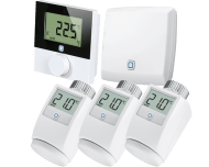 Het Alpha IP slimme stadsverwarming pakket bevat 3 slimme thermostaatknoppen, 1 draadloze thermostaat voor de woonkamer en 1 access point voor verbinding met de Alpha IP app.